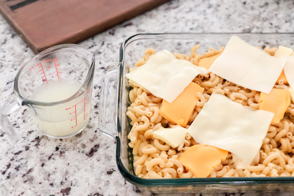 Simple Mac and Cheese with pasta water