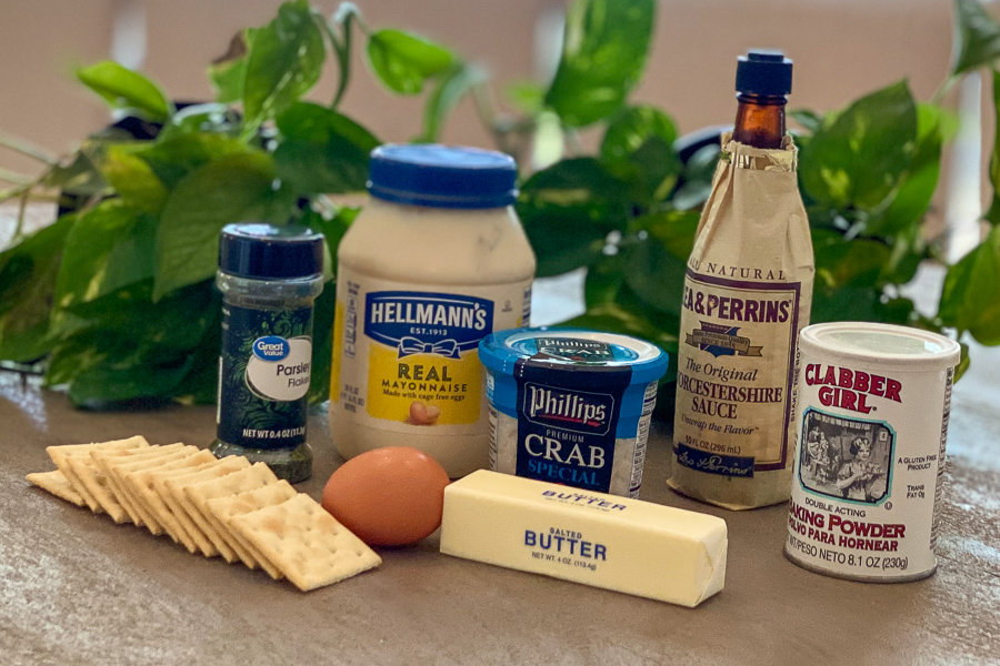 Ingredients for easy crab cakes