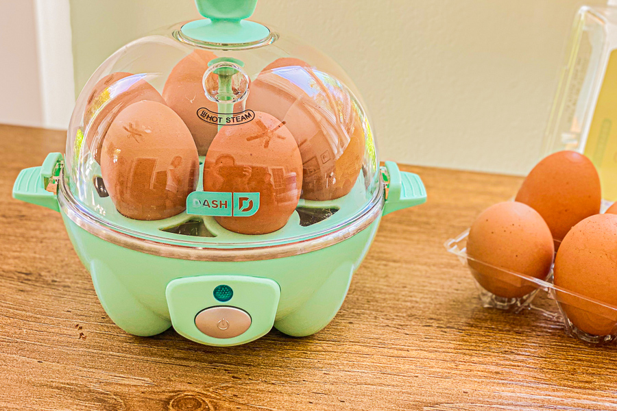 Eggs cooking in rapid egg cooker