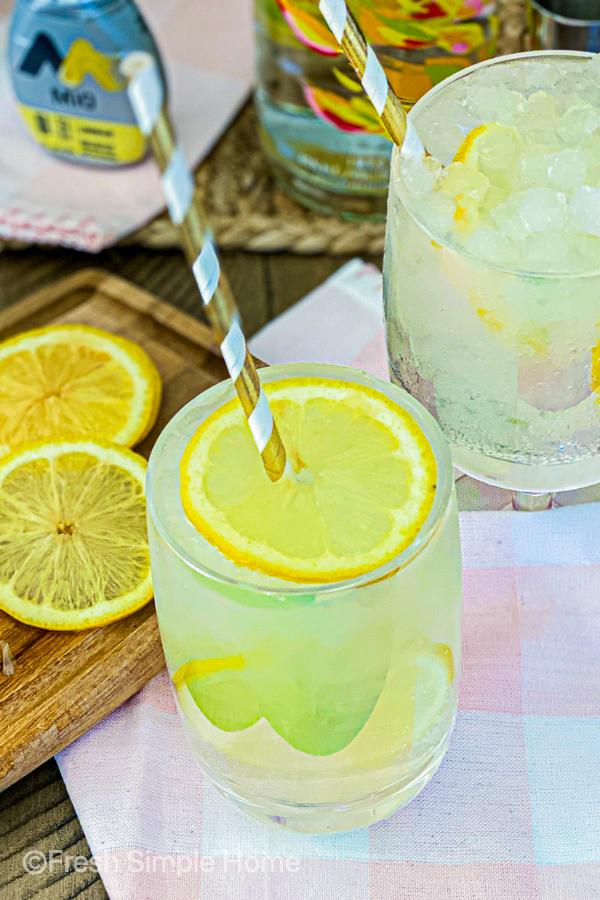 Skinny Mango Vodka Cocktail Recipe